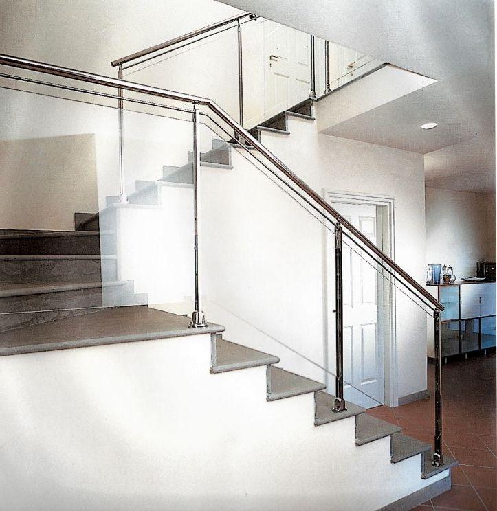 Ringhiere e rivestimenti photo gallery di me s scale - Ringhiere da interno moderne ...