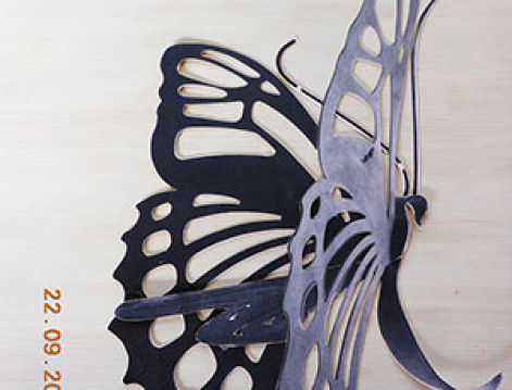 Creazione farfalla in legno