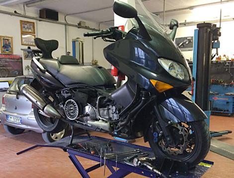 officina-scooter-e-moto-a-como