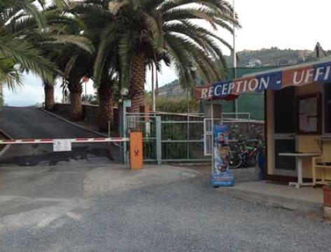Campeggio provincia imperia campeggio piani for Piani di bungalow classici