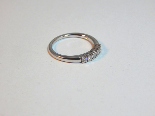 Anello con diamanti immagine 2