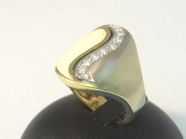 Anello con diamanti immagine 3